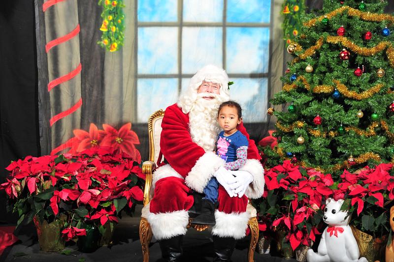 2016 SFC santa pics-395-2