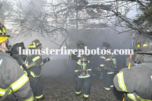 LEVITTOWN FD RANCH LA SHED FIRE