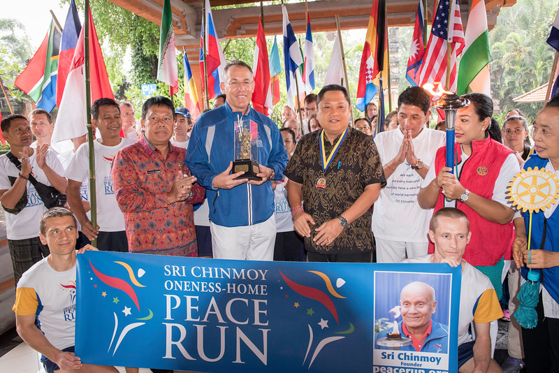 20170202_Peace Run Denpasar w_Mayor_062.jpg