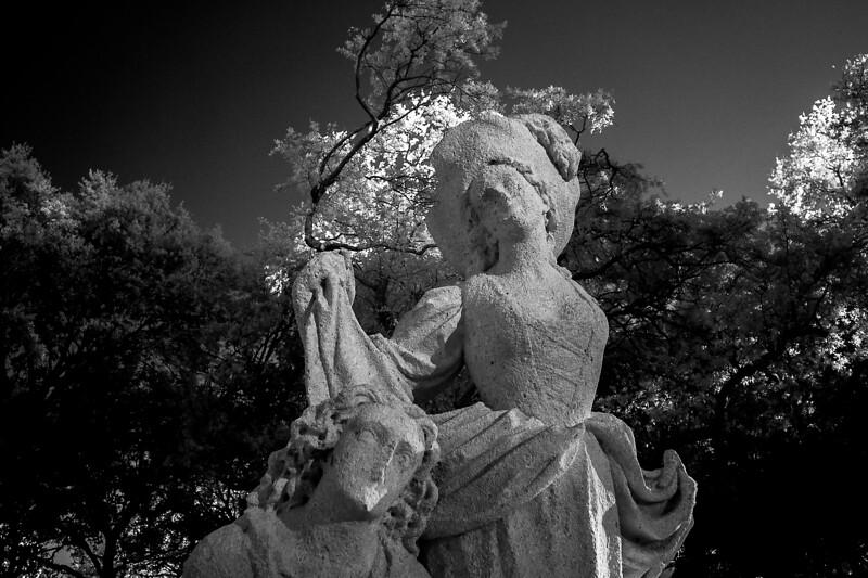 Statue2IR.jpg