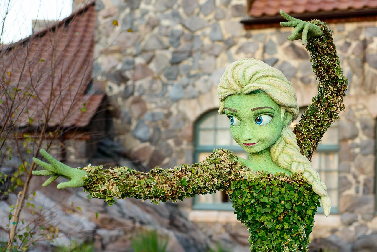 Elsa Frozen Topiary - Epcot Flower & Garden Festival 2016