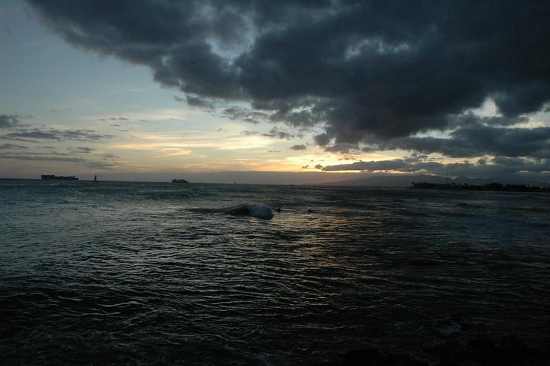 Hawaii - Ala Moana Beach Sunset-89.JPG