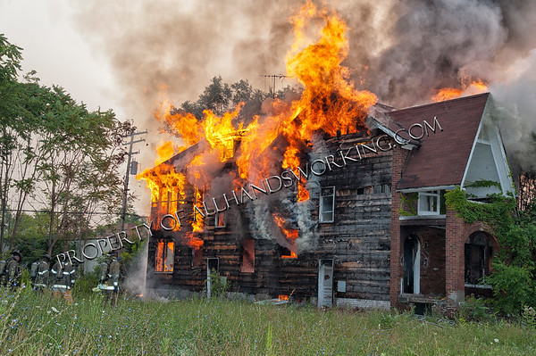 Detroit 518 W. Brentwood Vacant dwelling fire