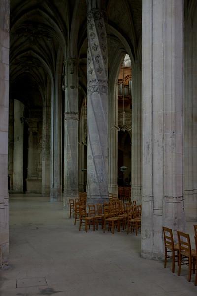 Gisors, Saint-Gervais-Saint-Protais Church Aisle Column