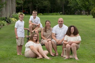 Erin, Aldo, Ariana, Nathan, Gia, Nolan Marchese Candid Family Portraits- Stanley Park Westfield, MA- New Engalnd Photo Studio Photographer