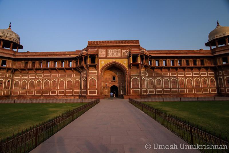 Agra - 3894.jpg