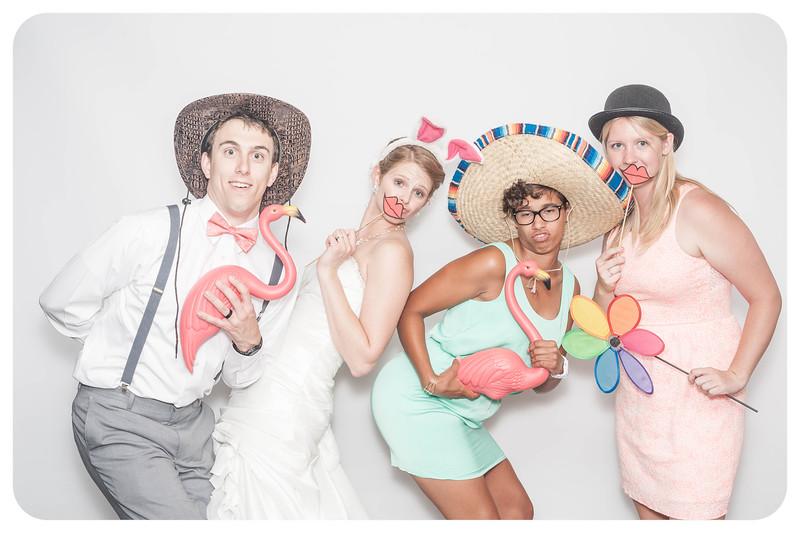 Laura+Ross-Wedding-Photobooth-111.jpg