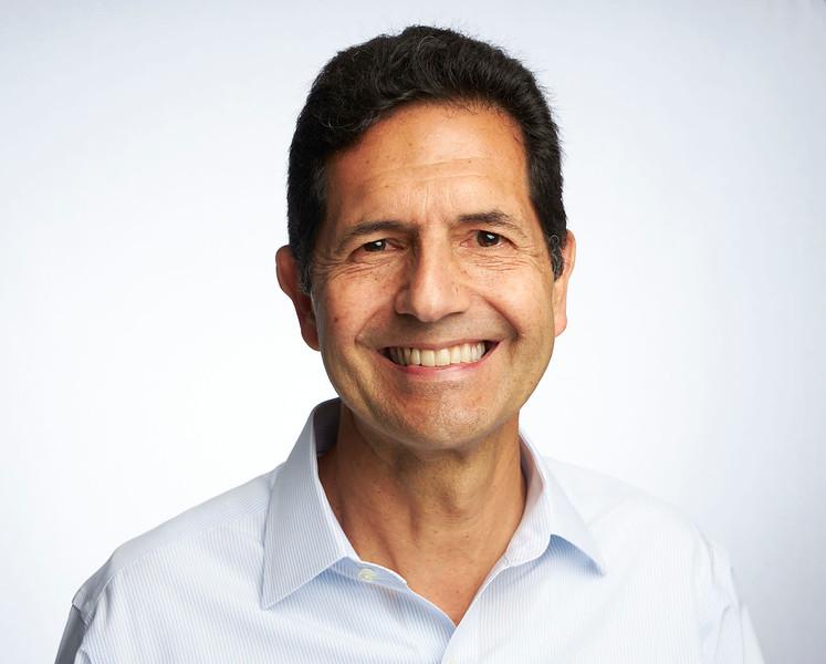 Hernan Mendez - Headshots Q1 Procolombia 22 - VRTL PRO.jpg