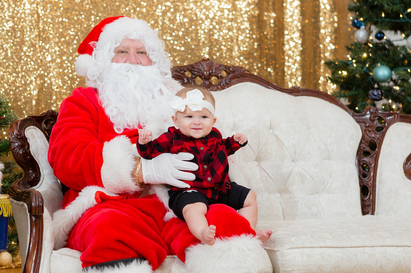 FADS Picture with Santa-326.jpg