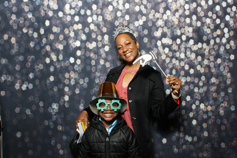 SavannahRyanWeddingPhotobooth-0060.jpg