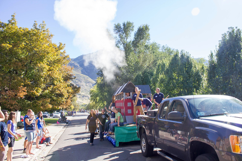 2015_10_10_Homecoming_Parade_7839.jpg