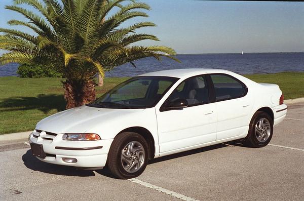 1995 10 - Dodge Stratus ES