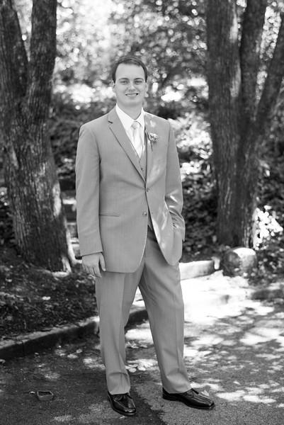 knoxville-1-groom(20 of 28).jpg