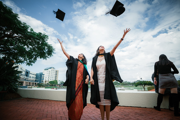Arisa's Graduation Photography - Bond University