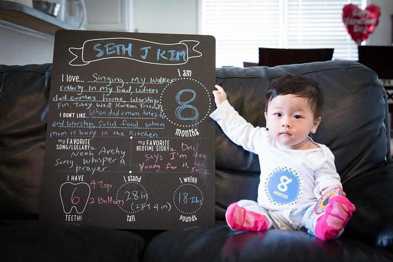 Seth 8 month-3436.jpg