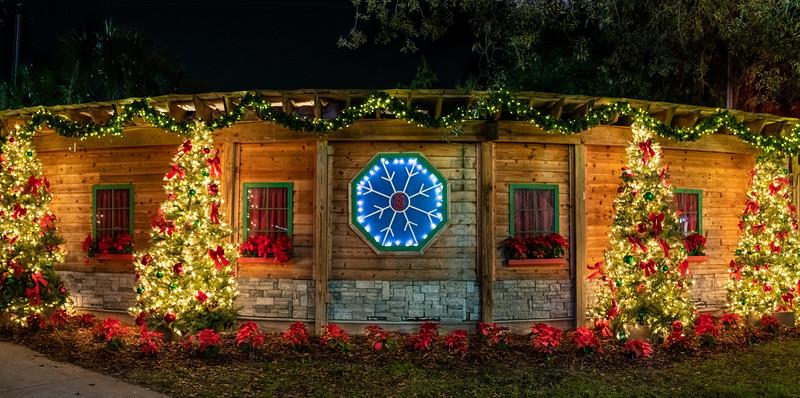 ZooTampa_Christmas-183-Pano.jpg