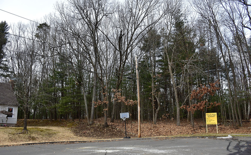 1/7/2020 Mike Orazzi   Staff The dead end street on Silo Road in Bristol on the opposite side of the proposed gated community on Redstone Hill Road that has neighbors up in arms, info meeting is scheduled for Thursday at the Manross LIbrary.