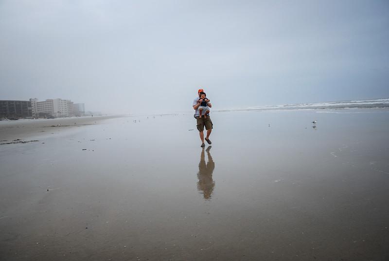 J and Mari at beach 12.2018 IX.jpg