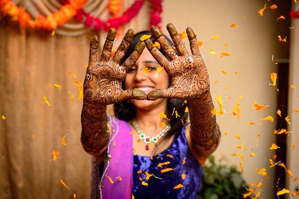 Mehndi (Bride solo)