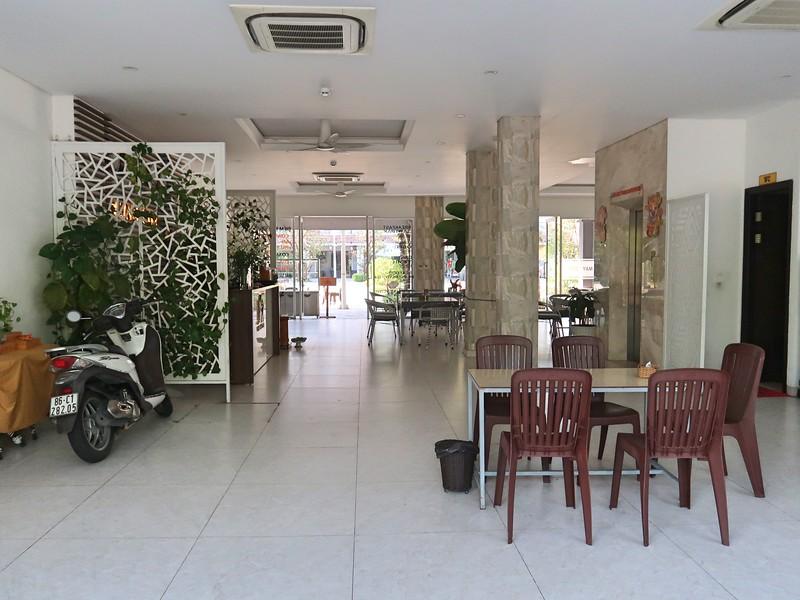 IMG_9082-may-hotel-lobby.jpg