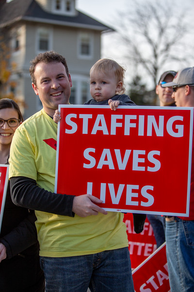11-4-2019 Staffing Picket (42).jpg