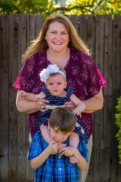 03-27 Hanson Family-221.jpg