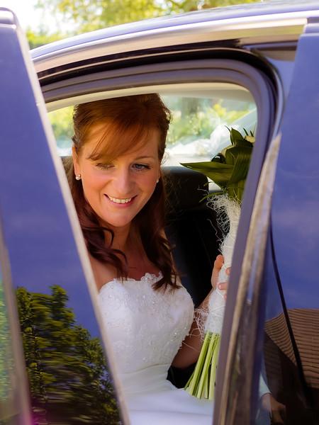 02_bruiloft marc en petra_de bruidegom haalt zijn bruid_06062014 (32 van 34).jpg