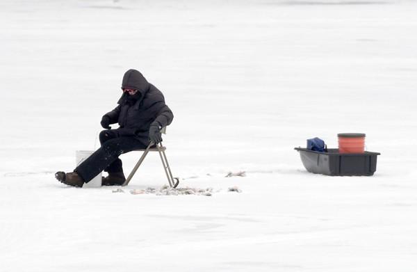 Ice fishing - 010621