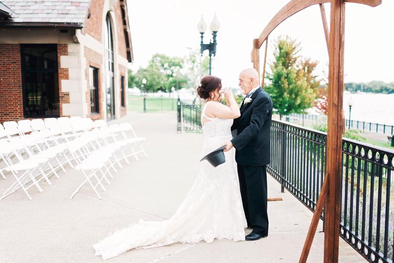 chateau-on-the-river-trenton-michigan-wedding-0094.jpg