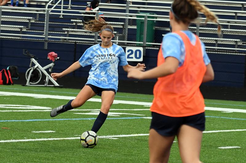 girls_soccer_2299.jpg