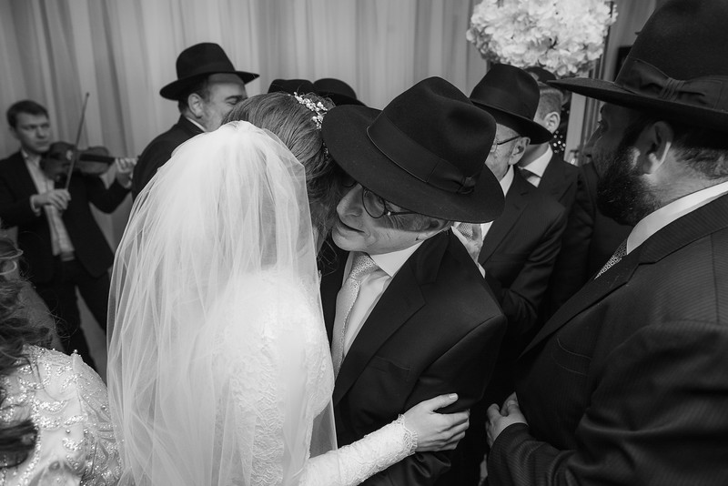 Miri_Chayim_Wedding_BW-606.jpg