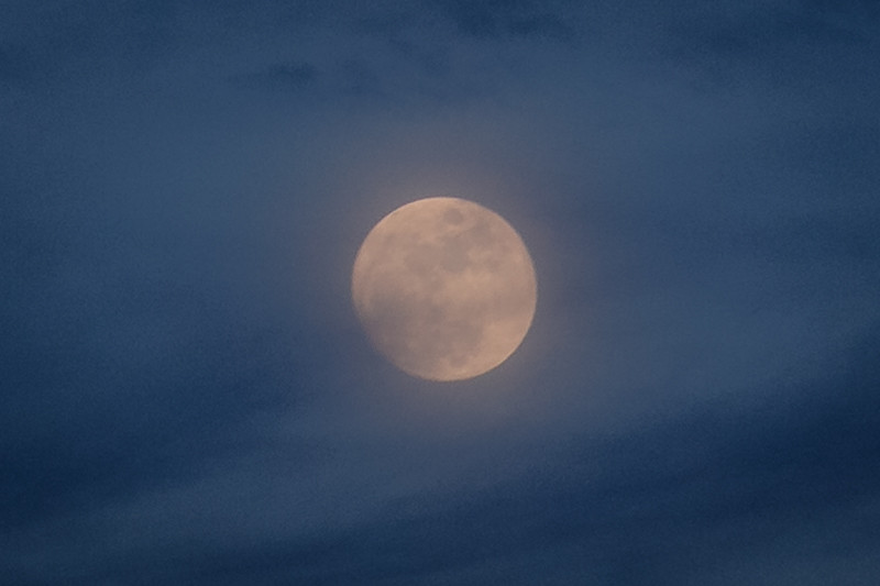 January 22 - Full moon at sunset-1.jpg