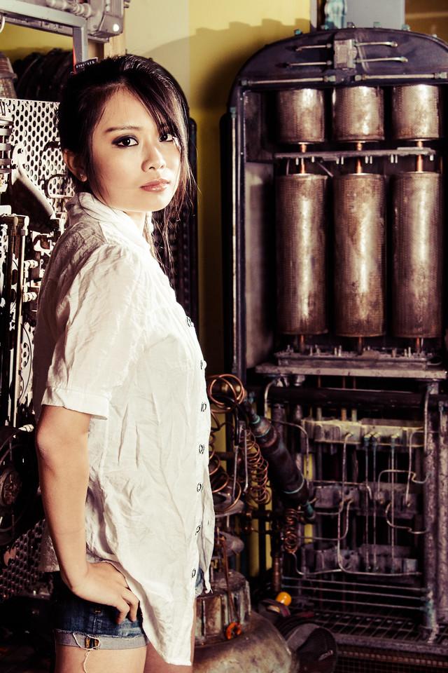 YogaPanda Photography<br /> Model: Miya Gu<br /> MUA: Daphne Chuan