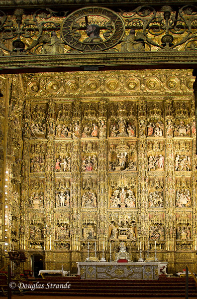 Tue 3/15 in Seville: Each cell on this altar tells a biblical story