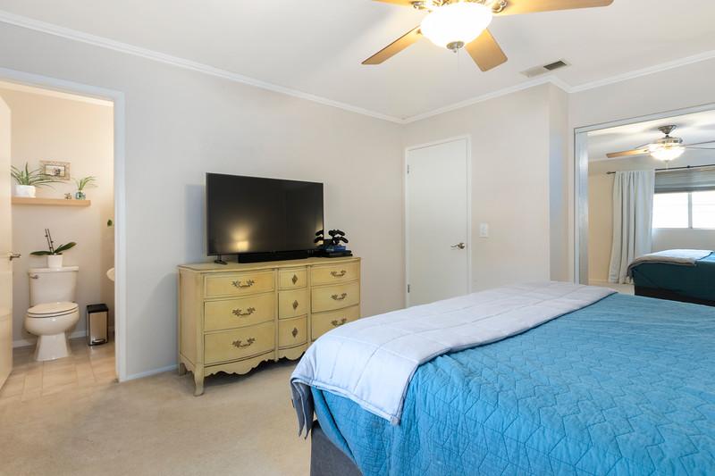 4505 Lobos 24 Master Bedroom.jpg