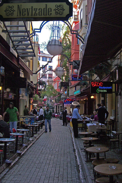 57-Walkway from İstiklâl to SAKI Restaurant, where we ate dinner.