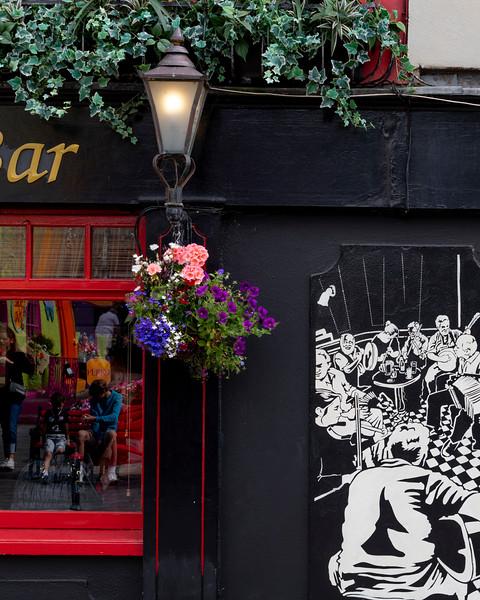 Art Deco caf�, Kinsale, County Cork, Ireland