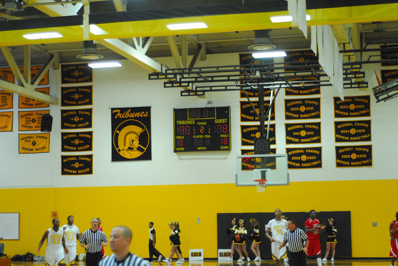 20090301_MCC Basketball_5725.JPG