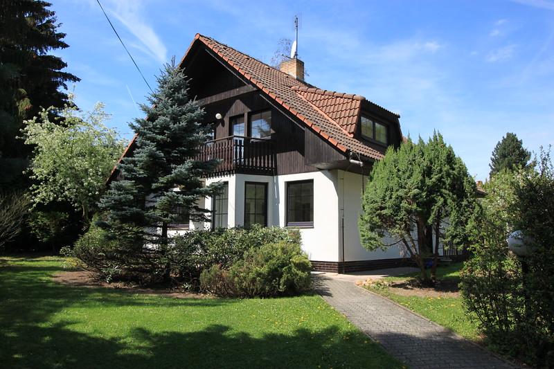 Directions Conifer Cottage to Restaurant Ve Mlejně 30metres