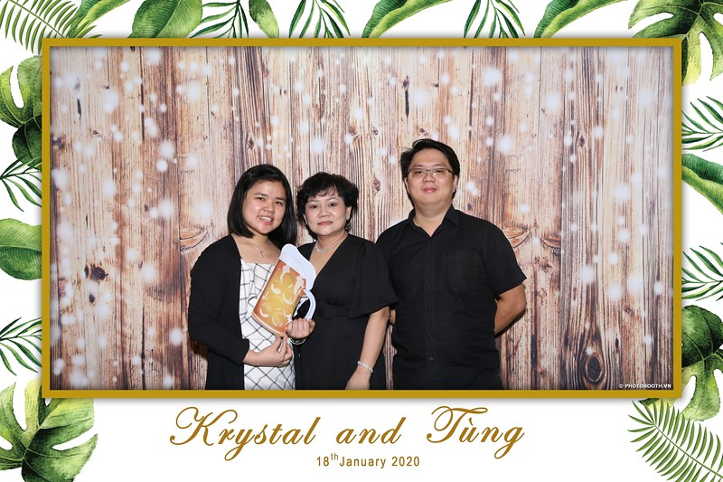 Krystal-Tung-wedding-instant-print-photo-booth-in-Ho-Chi-Minh-City-Chup-hinh-lay-lien-Tiec-cuoi-WefieBox-Photobooth-Vietnam-053.jpg