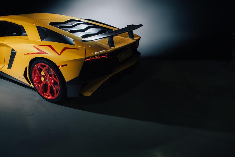 Danh_Phan_Lamborghini_Aventador_SV-1.jpg