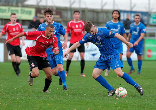 CHIPPENHAM TOWN V REDDITCH UNITED MATCH PICTURES 7th Nov 2015