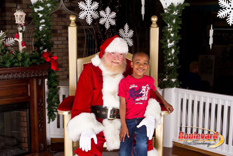 Santa Dec 8-173.jpg