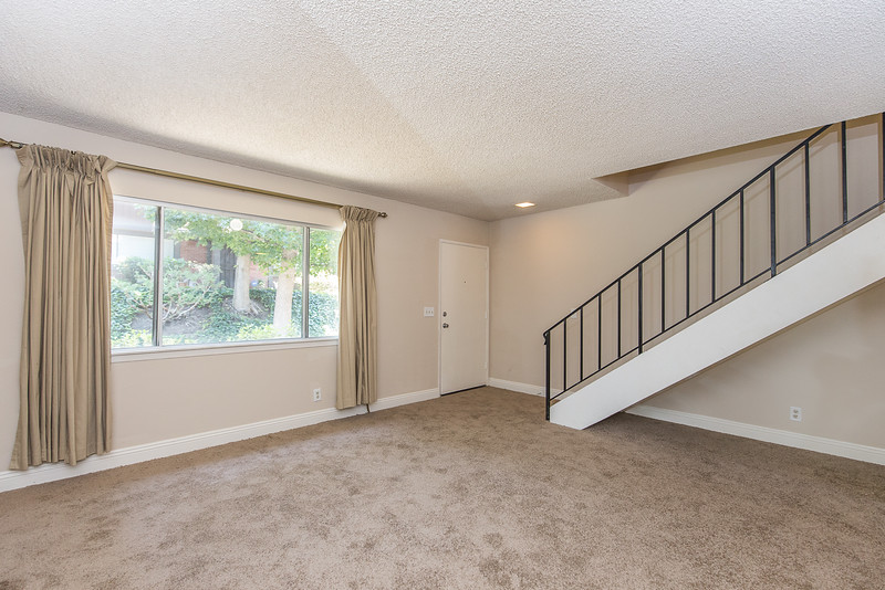 6_14456 Foothill Blvd #29.jpg