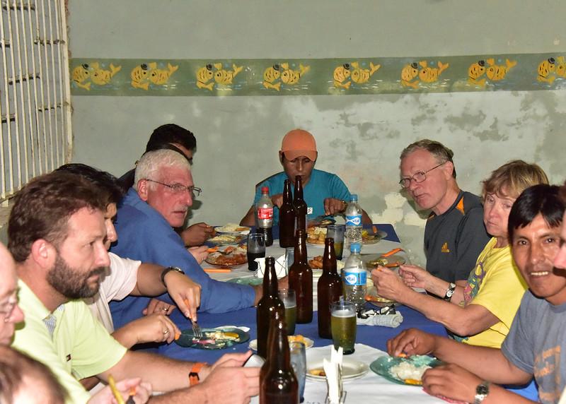 BOL_4186-7x5-Dinner W Rotarians.jpg