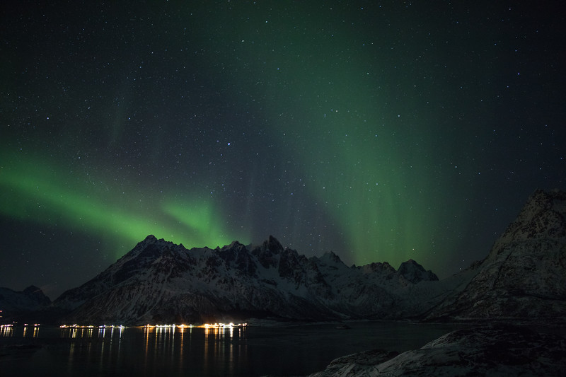 Feb2118   Aurora beyond Svolvear-8.jpg