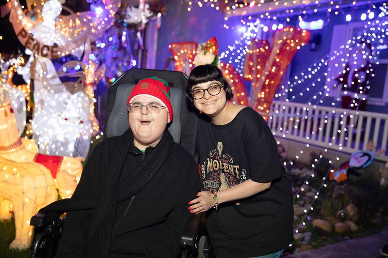 12-08-19-Christmas With Chris & Family-68.jpg