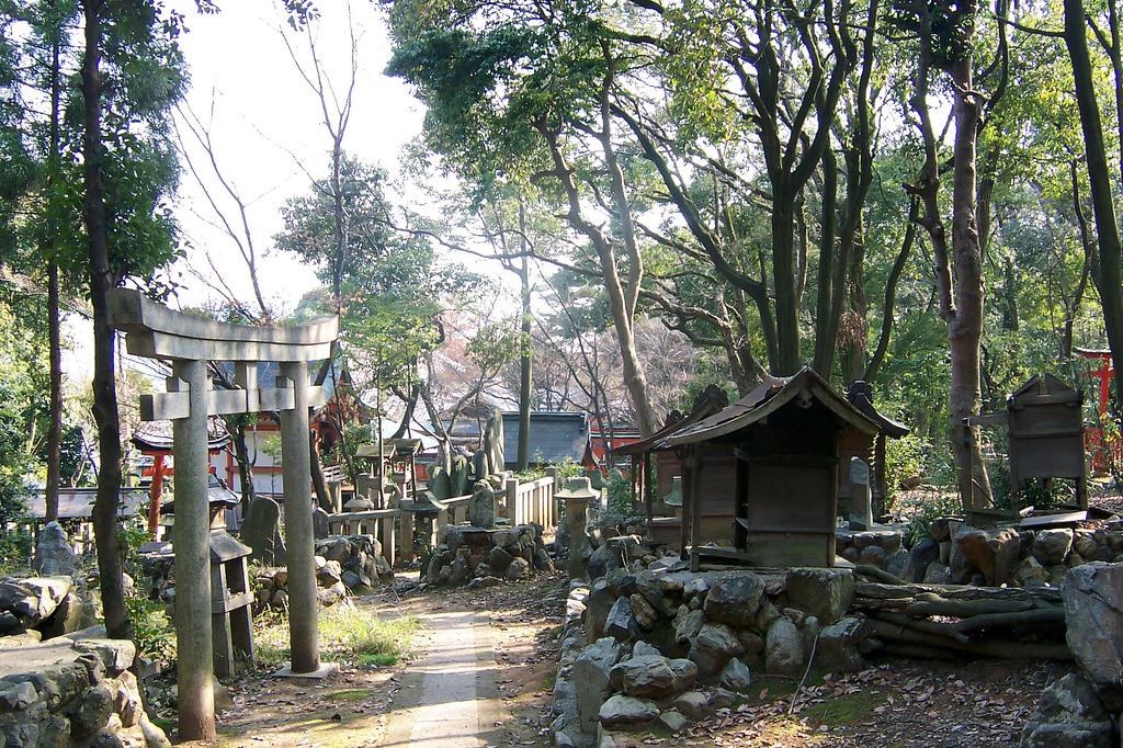 Yoshida Shrine 02