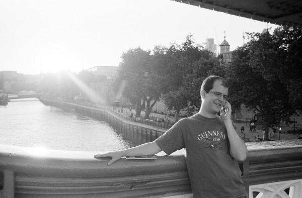 mr. popular (tower bridge, london)