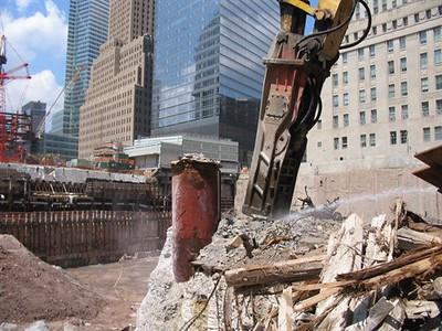 NPK GH50 hydraulic hammer on excavator 1.jpg